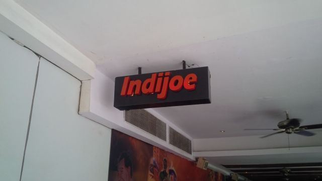 Indijoe, our restaurant for lunch with Vivek and Srikanta before the afternoon of festivities.