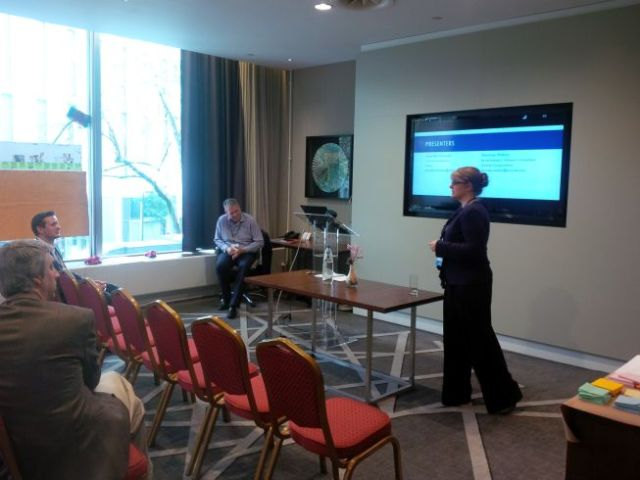 Jen from UK team presents on CX.
