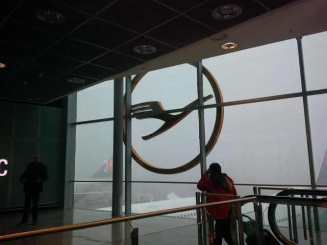 Nifty Lufthansa logo.